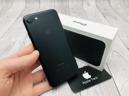 Б/У Apple iPhone 7